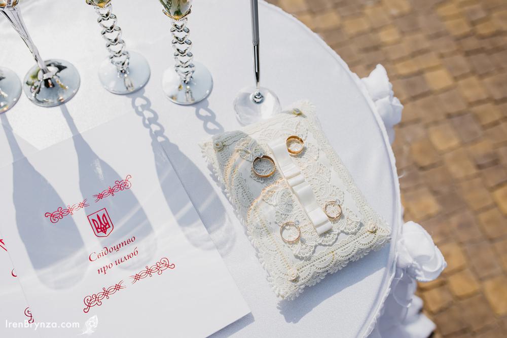 «Шлюб за добу»: кияни масово одружуються у Чернігові